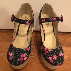 Platform flowered Mary Jane sandal